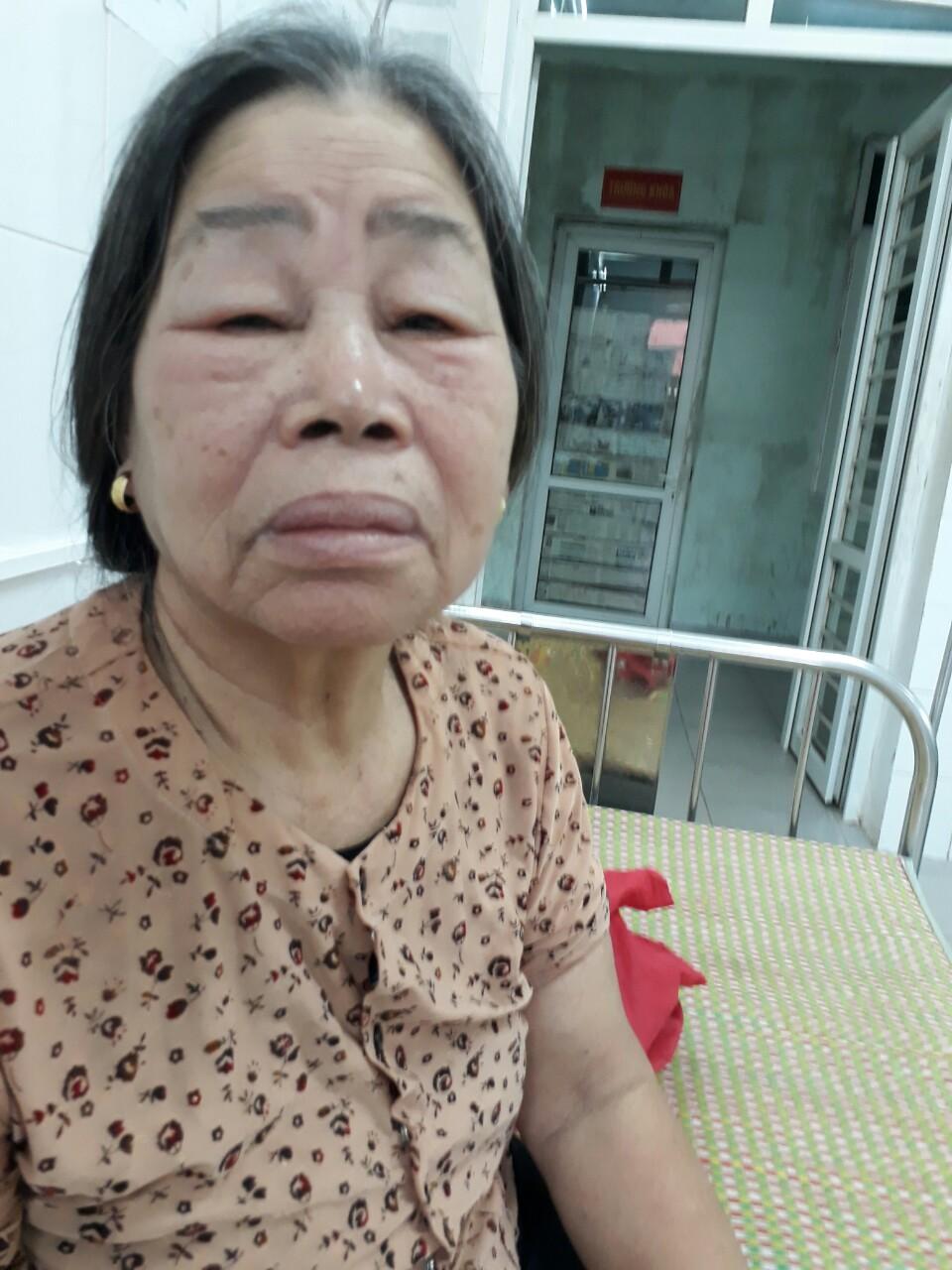 Bà cụ 80 tuổi